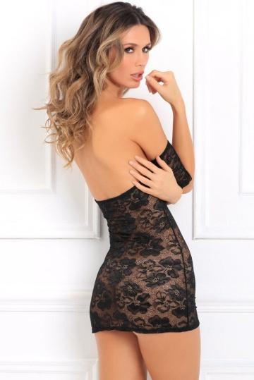 Восхитительное короткое кружевное платье с открытыми плечами