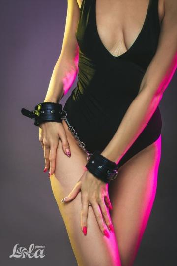 Черные наручники Calm