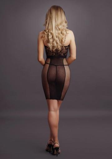 Эффектное мини-платье на бретельках Knee-Length Lace and Fishnet Dress