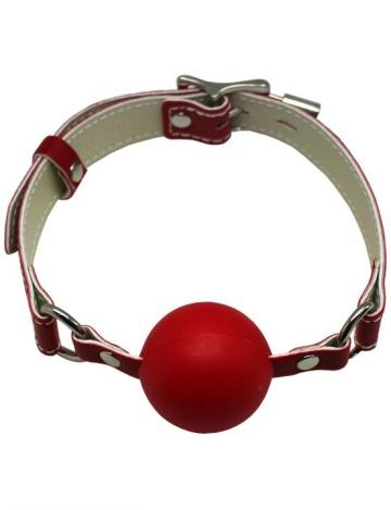 Красный силиконовый кляп-шарик с фиксацией и замочком