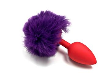 Красная силиконовая анальная пробка с пушистым фиолетовым хвостиком зайчика